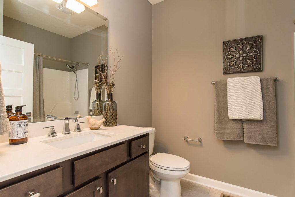 Oaks Guest Bathroom